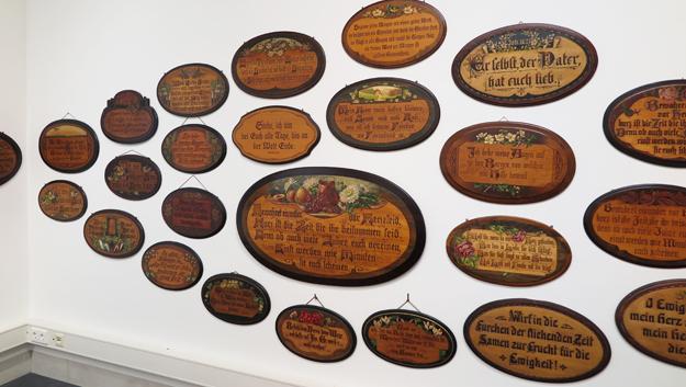 Sonderausstellung: Spruchbretter im Volkskundemuseum