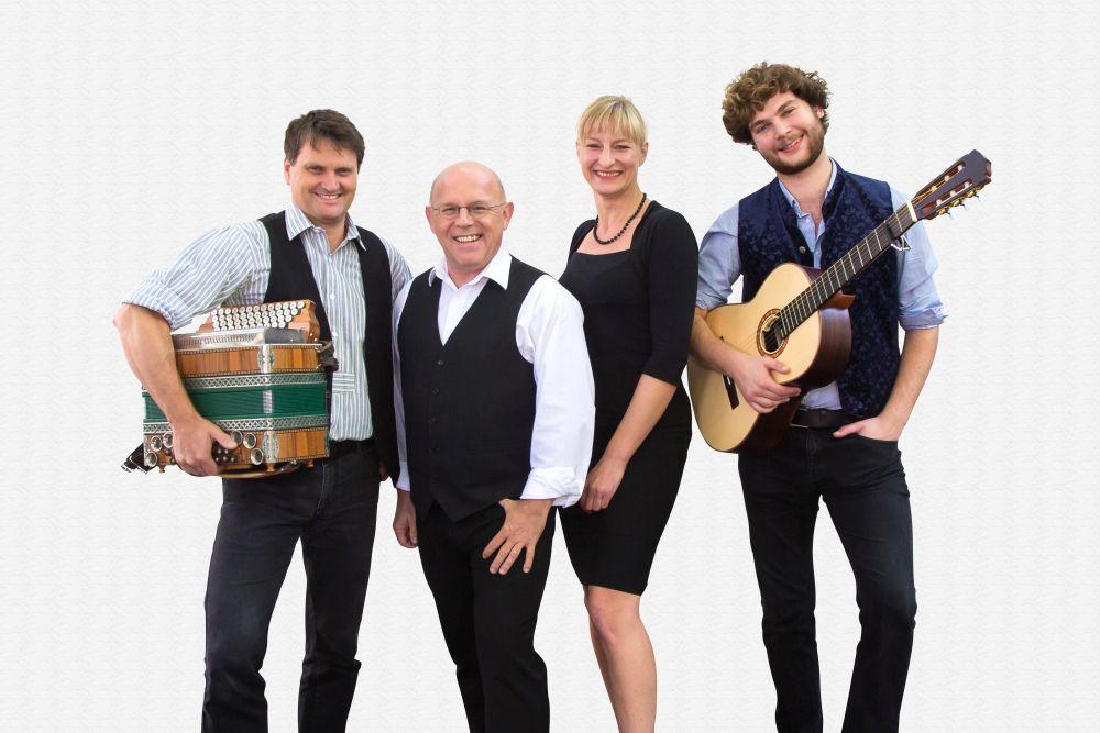 Die Couplet AG live im Sperl Stadl in Fronberg...