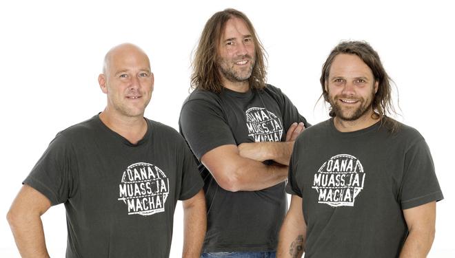 "3 Männer nur mit Gitarre – ""Oana muass ja macha"""