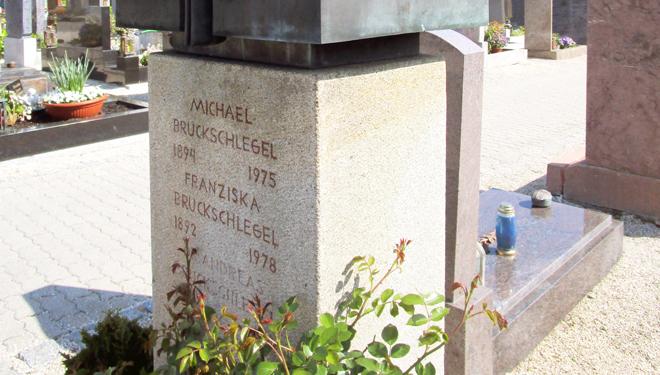 Stadtführung: Kunst auf dem Burglengenfelder Friedhof