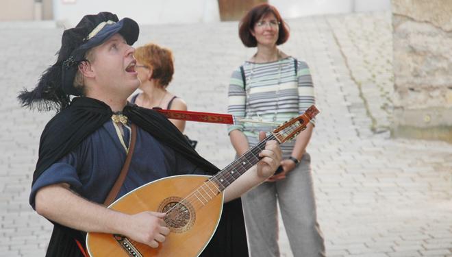 Von Liebe, Leid und edlen Rittern: romantische Stadtführung in Burglengenfeld